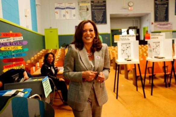 Kamela Harris Voting 2016